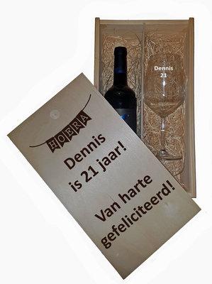 Wijnkistje gegraveerd
